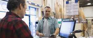 Man purchasing something, aware of what his purchase APR is